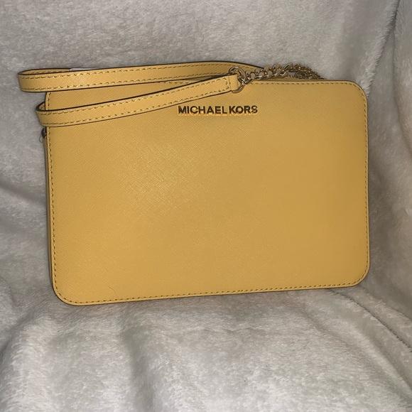 MICHAEL Michael Kors Handbags - NWT Michael Kors Large Jetset Crossbody